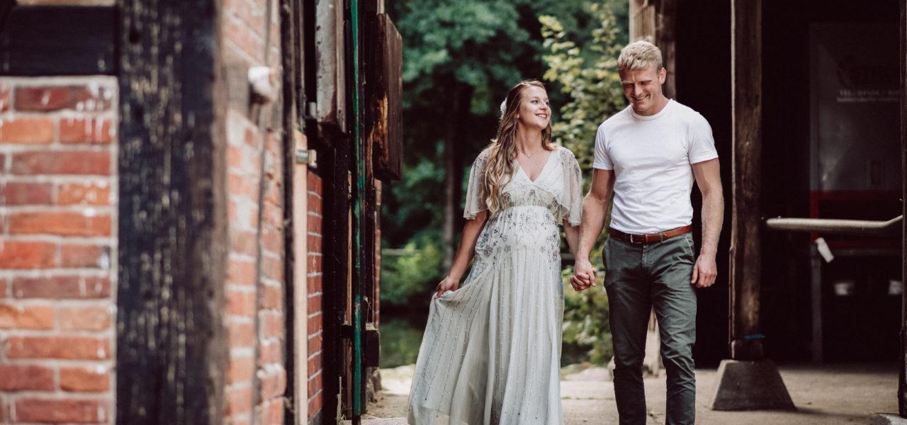 Baby Bauch Shooting mit Heiratsantrag in der Heide